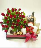 Australia Flower Australia Florist  Australia  Flowers shop Australia flower delivery online  ,:INDULGENCE HAMPER
