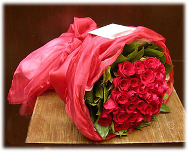 Send flowers online international -LocalStreets- Flower delivery,florists:Passionate Romance