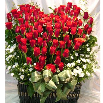 South Korea Flowers South Korea flower South Korea florists :100 Roses Basket2