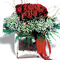 Turkey Flower Turkey Florist  Turkey  Flowers shop Turkey flower delivery online  :Red roses group arrangement in glass