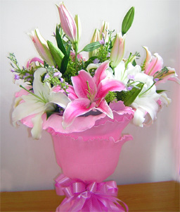 China Flower China Florist  China  Flowers shop China flower delivery online  ,China:Sweet Romance