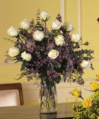 Z-Other Country Flowers Z-Other Country flower Z-Other Country florists :White Roses Arrangement